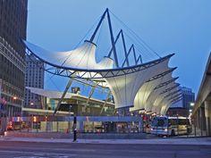 Terminal de Transporte Rosa Parks - Detroit, MI