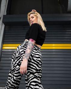 #zebraprint #zebrapants #zebratrousers #ootd #casualstyle #casualoutfit #outfits #egirl #tattoo #tattooart #tattoosforwomen #tattoodesign #tattoossleeve Trousers, Pants, Zebra Print, Tattoos For Women, Casual Outfits, Ootd, Sleeves, Fashion, Trouser Pants