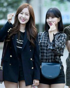 ♡ 여자친구 GFriend ♡ ♤ : @ KBS Music Bank Rehearsal South Korean Girls, Korean Girl Groups, Sinb Gfriend, Cloud Dancer, Entertainment, G Friend, Kpop, Lesbian, Female