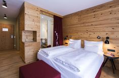 Reclaimed wood hacked | ELEMENTs / Naturholzplatten | Hotel Falkensteiner Schladming | Admonter Bed, Projects, Furniture, Home Decor, Wall Cladding, Coat Racks, Wood, Ideas, Log Projects