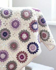 Transcendent Crochet a Solid Granny Square Ideas. Inconceivable Crochet a Solid Granny Square Ideas. Motifs Granny Square, Crochet Square Patterns, Crochet Motifs, Crochet Squares, Crochet Blanket Patterns, Granny Squares, Crochet Blankets, Granny Pattern, Love Crochet