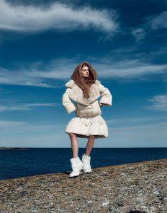 Lily Donaldson bundában az októberi japán Vogue-ban :)
