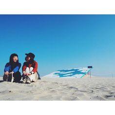 【____oishi】さんのInstagramをピンしています。 《むつみちゃん、誕生日おめでとう◯ --- #日々 #暮らし #茨城県北芸術祭 #茨城 #高戸海岸 #海 #daily #lifestyle #japan #ibaraki #kenpokuart2016 #hbd #art #vscogood #vscodaily #vscocam #vscojapan #sky》
