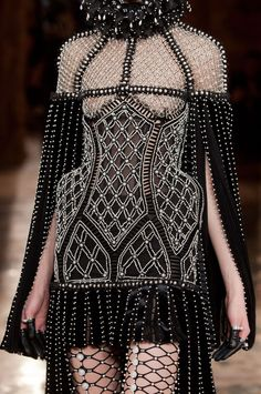 ALEXANDER MCQUEEN FW 2013...∂٨٥٦. . I don't like it, but someone does