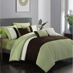 Chic Home Osnat 10 Piece Comforter Set Color Block Quilted Embroidered Design Bag Bedding – Sheets Decorative Pillows Shams Included, Queen, Green King Size Comforter Sets, King Size Comforters, Bedding Sets, Navy Comforter, Bed In A Bag, Cozy Bed, Luxurious Bedrooms, Luxury Bedding, Modern Bedding
