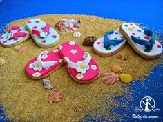 Dolci da sogno...Biscotti infradito o flip-flop. biscotti di pasta frolla, decorati in pasta di zucchero.