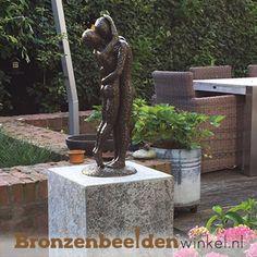 Bronzen tuinbeelden kopen van figuren en dieren of een abstracttuinbeeld aanschaffenBronzen tuinbeeldenals eyecatcher voor in uw tuin. Onze bronzen beelden voor in de tuin zijn prachtig en zeer gedetailleerd afgewerkt.