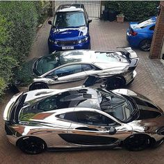 Which badass chrome ride would you take for a rip? McLaren or Lamborghini? Spotted @onlylamborghini #manstrav #autos Tag us for a chance to be featured! #menstuff #manstuff #manup #cars#photographer#automotive#carporn#carsandcoffee#supercar#instagood#autos#pagani#lamborghini#mercedes#bugatti#ferrari#audi#porsche#bmw#luxury#stance#amg#Aventador #rollsroyce #dreamcars #dreamcar #bentley #cadillac #racecar