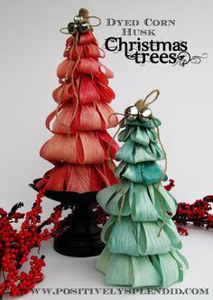 Dyed Corn Husk Christmas Tree Tutorial - Positively Splendid {Crafts, Sewing, Recipes and Home Decor} Christmas Holidays, Christmas Wreaths, Christmas Decorations, Christmas Ornaments, Straw Decorations, Merry Chistmas, Office Christmas, Winter Holiday, Christmas Stuff