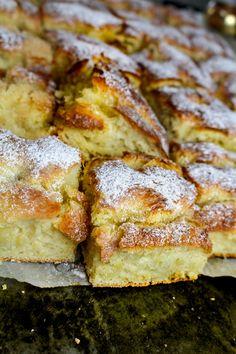 Krämiga vaniljbullar i ... | Nina Hermansen - Niiinis Kitchenlife Grandma Cookies, Keto Recipes, Cooking Recipes, Healthy Recepies, Fika, Fabulous Foods, No Bake Desserts, Bacon, Food And Drink