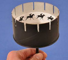Zoetrope Free printable Lemay Lemay Lemay De Groof - for the Junior Ent. , Zoetrope Free printable Lemay Lemay Lemay De Groof - for the Junior Ent. Diy For Kids, Crafts For Kids, Arts And Crafts, Paper Toys, Paper Crafts, Diy Crafts, Kinetic Art, Craft Activities, Steam Activities