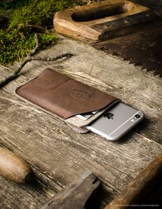 Leather iPhone Case / Wallet with Card Pockets   Wood Brown