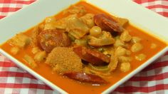 """No te pierdas este plato tan tradicional y con una receta fácil, que es la receta de callos con garbanzos. Si te gusta el vídeo por favor dale a """"ME GUSTA"""", ..."""