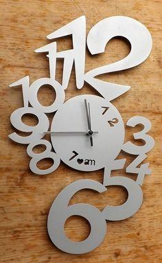 """OROLOGIO PARETE Arti e MestieriMade i Italy!In metallo!color alluminiomodello """" Lupin""""Misure cm 48 x 30 !!!"""