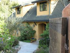 Straw Bale home in Oakland, California.