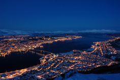 Tromsø og Kvaløya, sett fra Fløya (Fjellheisen) kl. 1200 i Januar 2007