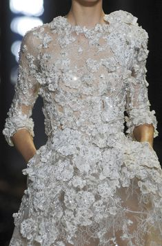The White Roses Princess @ElieSaabWorld Elie Saab Spring Summer Couture 2013 #HauteCouture #HC #Fashion