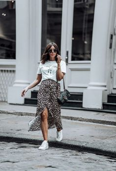 Leopard is the new black Graphic Tee Urban Outfitters Leopard Skirt Gucci Bag Greats Sneakers Nyc Fashion, Look Fashion, Trendy Fashion, Girl Fashion, Autumn Fashion, Fashion Outfits, Fashion Vintage, Sneakers Fashion, Sneakers Style