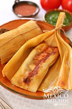corn tamales Sweet Corn Tamales with a Savory Filling - Authentic Mexican Food.Sweet Corn Tamales with a Savory Filling - Authentic Mexican Food. Sweet Tamales, Corn Tamales, Mexican Tamales, Chicken Tamales, Mexican Dinner Recipes, Mexican Dishes, Mexican Desserts, Mexican Cooking, Masa Recipes