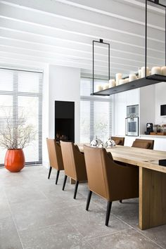 Dining Room// Love the fixture//