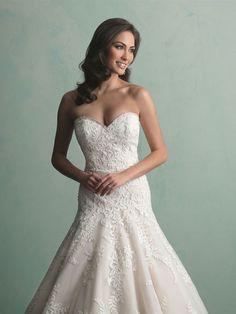 Unique Silhouette Ballgown Classic Wedding Dress 9159 #weddingdress #wedding #fashion