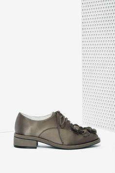 Jeffrey Campbell Novak Floral Applique Shoe in Gunmetal Satin at Nasty Gal
