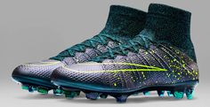 The new blue Nike Mercurial Superfly Boots boast a stunning design. Alexis Sanchez, Arturo Vidal and de Bruyne are set to wear the new Squadron Blue / Volt Nike Mercurial Superfly Soccer Cleats. Best Soccer Shoes, Nike Soccer Shoes, Nike Football Boots, Nike Cleats, Nike Boots, Soccer Outfits, Soccer Gear, Soccer Boots, Football Cleats