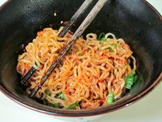Ramen Noodles with Spicy Korean Chili Dressing. Instead of Korean chili dressing just use red pepper flakes and toasted sesame seeds. Spicy Ramen Recipe, Ramen Recipes, Asian Recipes, Cooking Recipes, Ethnic Recipes, Cooking Pasta, Noodle Recipes, Recipies, Ramen Dishes