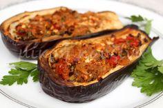 Μελιτζάνες γεμιστές με λαχανικά(2 μονάδες) No Calorie Foods, Low Calorie Recipes, Zucchini, Diet, Vegetables, Healthy, Food Ideas, Crafts, Recipes