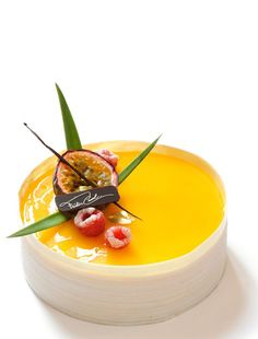 Yummie...Fruit Tart by Frederic Cassel An exclusive twist could be made by adding saffron! What do you think?