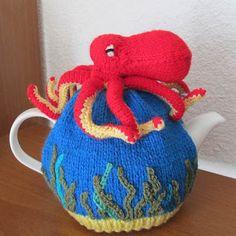 Avec de la laine: Octopus tea cosy