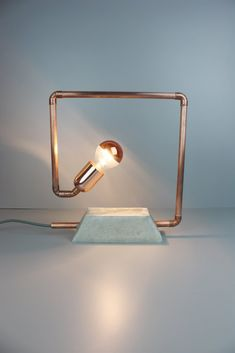 Lampe NF-131 Lamp Design, Lighting Design, Rope Lamp, Carpentry Projects, Wood Lamps, Decoration, Lightning, Wall Lights, Sculpture