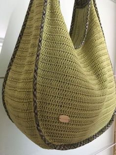 """New Cheap Bags. The location where building and construction meets style, beaded crochet is the act of using beads to decorate crocheted products. """"Crochet"""" is derived fro Crochet Purse Patterns, Bag Crochet, Crochet Market Bag, Crochet Shell Stitch, Handbag Patterns, Crochet Handbags, Crochet Purses, Crochet Pattern, Simple Bags"""