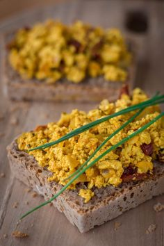 Das einfachste Vollkornbrot-Rezept der Welt Vegan Recipes, Vegan Food, Healthy Food Choices, Desserts, Fitness, Light Recipes, Breads, Chef Recipes, Food And Drinks