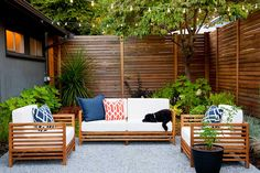 "Design Ideas for Outdoor Privacy Walls, Screen and Curtains As the old saying goes, ""Good fences make good neighbors."" Take a look at these ingenious ways to keep your neighbor's watchful eye out of your backyard. Privacy Wall Outdoor, Diy Privacy Fence, Privacy Fence Designs, Privacy Walls, Backyard Privacy, Backyard Fences, Backyard Landscaping, Privacy Screens, Landscaping Ideas"