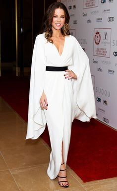 Kate Beckinsale in a white dress with oversize sleeves