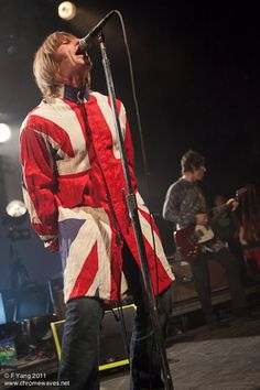 Get a load of that outfit!  #liam_gallagher #beady_eye