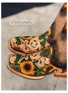 Cute Cowgirl Boots, Rodeo Boots, Cowgirl Outfits, Cowboy Boots Women, Cowgirl Style, Western Style, Botas Western, Western Shoes, Western Saddle Pads