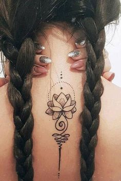 Back Tattoo For Girls That Will Make You Look Shocking Body Art Tattoos, Girl Tattoos, Sleeve Tattoos, Tattoos For Guys, Tattoos For Women, First Tattoo, Get A Tattoo, Tattoo Shop, Cool Back Tattoos
