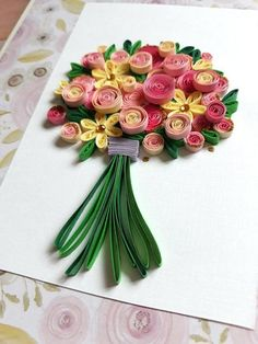 Quilling Birthday Card with Bouquet of Pink Roses and Yellow Flowers, Anniversary Card, Wedding Greeting Card Quilling, simplify, circle of quilled paper with green pen drawn stalks Quilling Birthday Cards, Paper Quilling Cards, Paper Quilling Flowers, Neli Quilling, Paper Quilling Patterns, Quilling Craft, Quilled Roses, Quilling Ideas, Quilling Comb