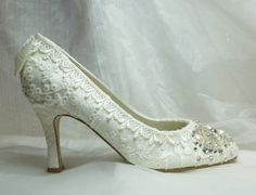 TWINKLE TOES wedding shoes vintage lace by everlastinglifashion, $305.00