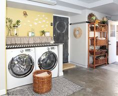 7 DIY ideas for a laundry nook in the garage - and 3 things I would not repeat I like the rug here.