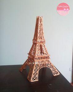 torre eiffel hecho con palitos de fósforo..!!!
