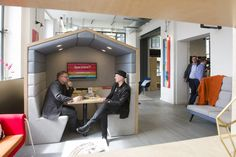 Customisable meeting pod for innovative offices, perfect for fostering efficiency, creativity and a feel-good factor in your workspace.