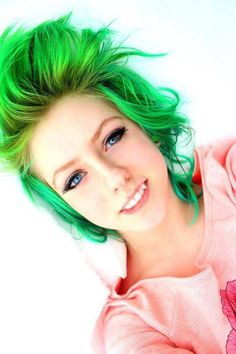 Green #hair,,super #cute #color #hairstyles #scene #dye #dyed http://video.staged.com/spzkaz/staged_viral_marketing_lead_generation_review
