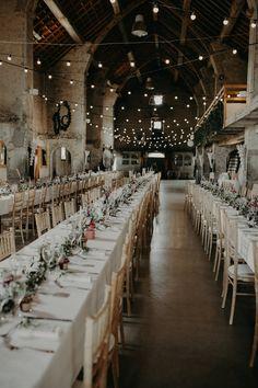 Country wedding at Domaine de l'Ecart - - wedding inspo Country wedding at Domaine de l'Ecart - Site Today Wedding Reception Decorations, Wedding Table, Diy Wedding, Wedding Programs, Wedding Venues, Deco Champetre, Warehouse Wedding, Country, Madame