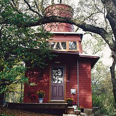 19 favorite garden cottages and sheds | Office in a water tower | Sunset.com