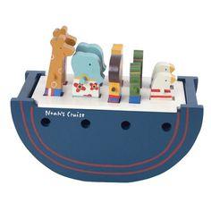"""Noahs Ark fra Maileg, er en klassiker som dåb- og barselsgave, der med sit flotte design, er et fantastisk """"legeskib"""" som pynter flot på børneværelset. Noah's A"""