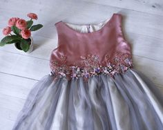 Flower girl dress purple and grey with embroidery floral embelishment. Birthday dress, formal girl's dress