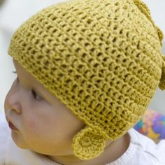 Can't resist these baby knit caps Winter Baby Clothes, Baby Winter, Winter Dresses, Winter Outfits, Kid Closet, Kids Corner, Baby Hats, Baby Knitting, Knit Caps